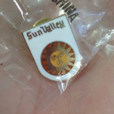 Rare! Sun Valley Snow Summit Ski Skiing Snowboarding Lapel Hat Pin