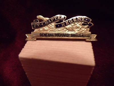 Daughters of the American Revolution 14K Yellow Gold Ex-Chapter Regent Pin
