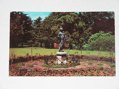 Wellingborough Swanspool Gardens  Postcard   Rp   Vintage Collectable  Vgc