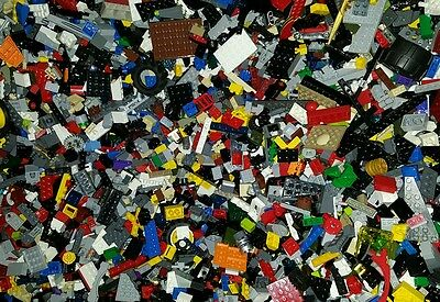 2 POUNDS OF LEGOS Bulk lot Bricks Parts Pieces Lego Star Wars, City, castle, etc