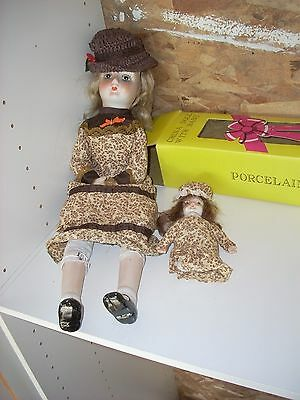 """Porcelain Doll with Baby unbranded  18"""" in Great condition EBC"""