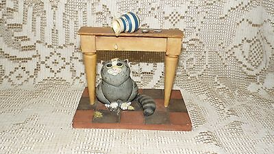 "Linda Jane Smith Comic & Curious Cats Figurine ""lucky Cat"" #107807 2002"