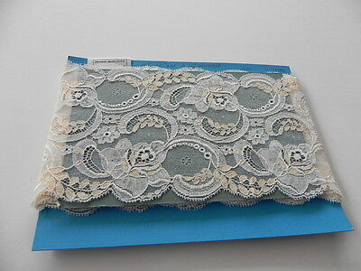 Card of New Wide Lace - White and Peach