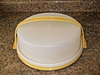 """Vtg Tupperware ~9"""" Round Tuscany Gold Pie Taker #719, #720 ~18"""" Gold Handle #721"""
