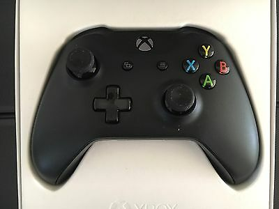 Xbox One S Black Wireless Bluetooth Controller
