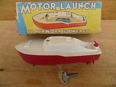 VINTAGE OLD CLOCKWORK POWERED TOY BOAT 'wth' KEY IN ORIGINAL BOX (C643)
