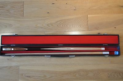 Immaculate vintage two-piece snooker cue J Ashcroft John Spencer