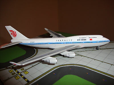 Dragon Wings 1/400th scale Boeing 747-4J6 Air China