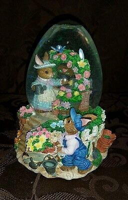 Easter Jubilee Musical Egg-Shaped Water Globe Peter Cottontail EUC Rabbit Spring