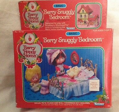 1Vintage Kenner Strawberry Shortcake - Berry Happy Home - Berry Snuggly Bedroom