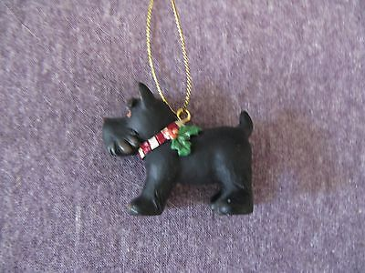 Scottish Terrier Scottie Figurine Christmas Ornament with Holly on Collar CUTE
