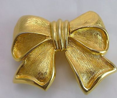 Vtg. Paquette Gold Tone Bow Buckle w/Pink faux. Leather Belt
