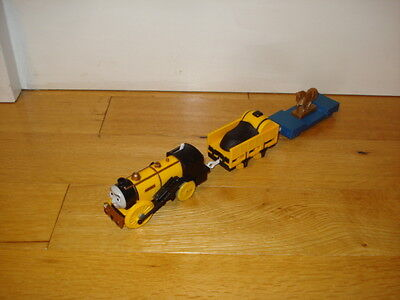 Thomas The Tank Engine - Tomy Trackmaster Stephen The Rocket Battery Train