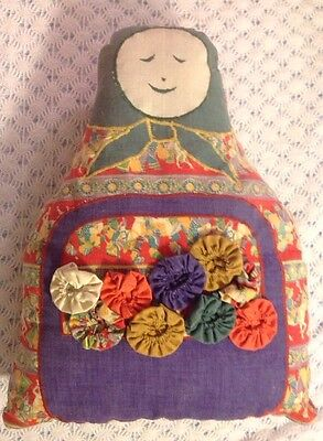 Q1 Vintage Cloth Russian Nesting Doll With Yo-yo Trim