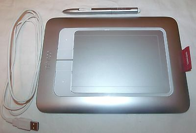Bamboo Fun Pen and Touch Wacom Tablet CTH-461 with case