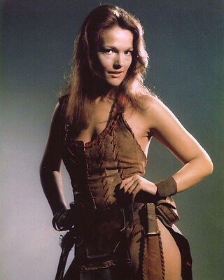 Louise Jameson UNSIGNED photo - H2402 - Doctor Who