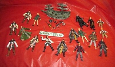 Disney Zizzle lot of 17 Pirates of The Caribbean action figures w/ Pirate Ship +