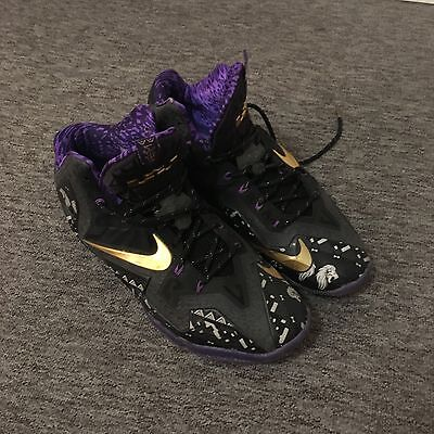LeBron 11 BHM Basket-ball Shoes, Black/Purple/Gold, Men's Uk Size 12, Used