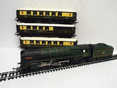 Triang R.259 Br Green Britannia 70000 & 3 X Pullman Coaches Unboxed  (Oo314)