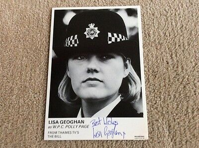 Lisa Geoghan As W.p.c. Polly Page The Bill Hand Signed Vintage Card