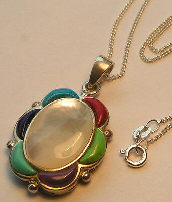 Never worn 925 solid silver MOTHER OF PEARL  pendant WITH STONES and Chain.