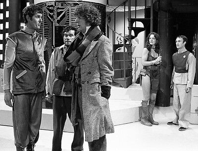 Tom Baker, Louise Jameson & William Simons UNSIGNED photo - H2465 - Doctor Who