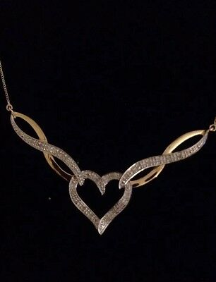 stunning 9ct gold And Diamond Heart Necklace Brand New