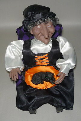 1995 Animated Halloween Witch Petting Her Cat Gemmy Industries Works perfect