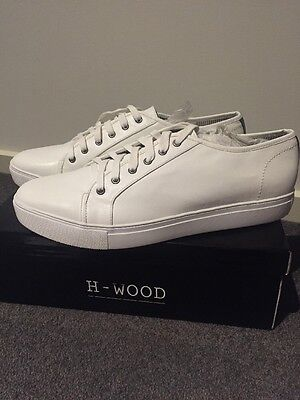 Men's Lace Up White Casual Shoes Brand New Never Worn