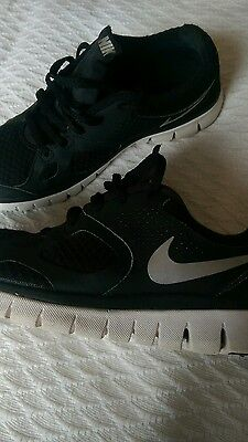NIKE black women's shoes size 4.5