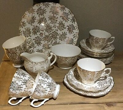 Gold Royal Vale 21 piece tea set - very good condition