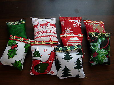 1/12Th Scale Dolls House Set Of 3 Xmas Christmas Cushions Handmade Red Green New