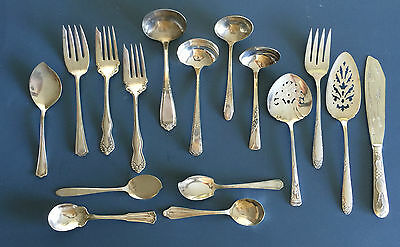 Lot/16 Silverplate Serving Pieces Ladles. Forks, Spoons, Rogers, Wallace