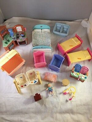 Lot Of Fisher Price And Mattel Dollhouse Furniture - 15 Pieces