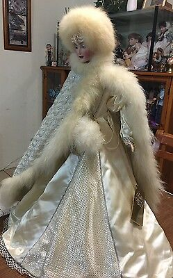 SNOW QUEEN franklin mint- heirloom porcelain doll