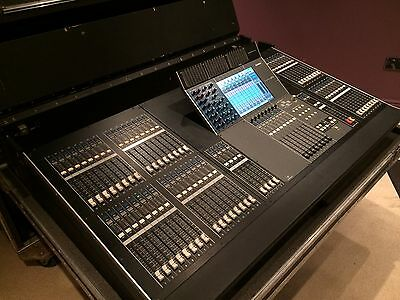 Yamaha M7CL - 48 channel digital mixing console with Flight Case