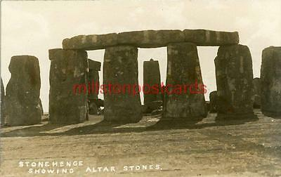 Real Photographic Postcard Of Stonehenge Showing Alter Stones, Wiltshire