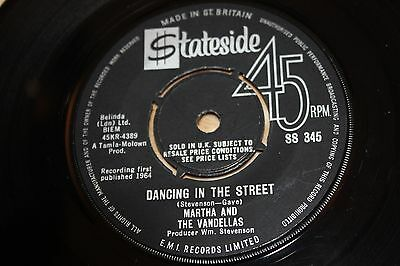 Martha & The Vandellas - Dancing In The Street / There He Is - Vg++