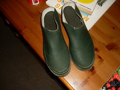 Gardening shoes size 6