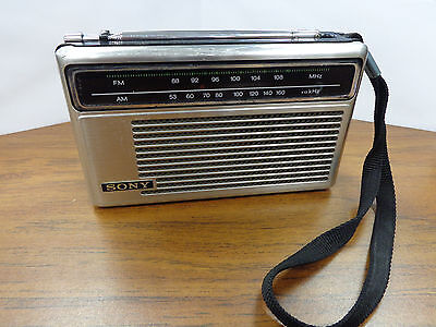 Vintage Sony Transistor Radio Model TFM-6150W Tested and Works