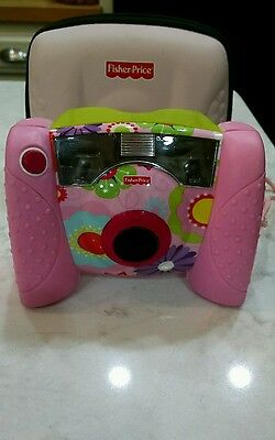 fisher price digital camera cool for little girl great color she'll love .