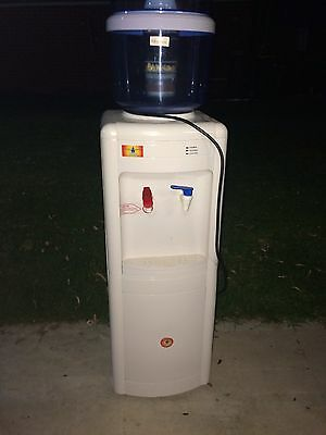 Upright Water Filter, Cooler And Heater.
