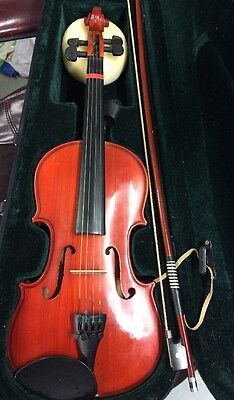Natural 3/4 Violin With Case & Bow