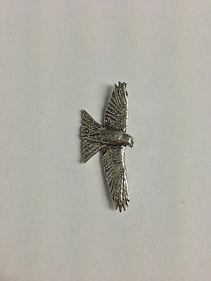 Red Kite Finely Handcrafted in Solid Pewter In The UK Lapel Pin Badge