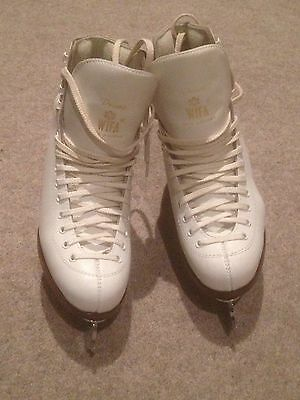 Ladies Figure Ice Skating White Leather Boots With Blades