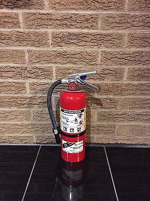 FIRE EXTINGUISHER 5lb 5# ABC NEW CERT TAG (SCRATCH/DIRTY)
