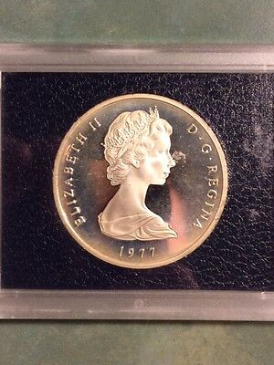 1977 Turks and Caicos 25 Crowns Silver Proof Coin in Presentation Case