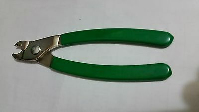 PVC handle pliers with 19mm c-clips 2.25 gauge galvanised steel netting rings