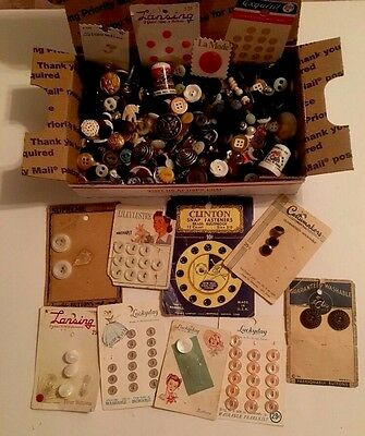 ⭐️ Lot Of Fun Vintage Antique Buttons & More~Crafts~Art~Sewing~Collecting ⭐️
