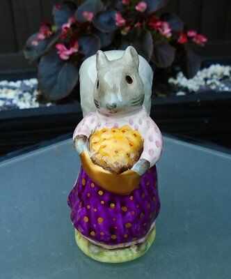 "Beswick Beatrix Potter ""GOODY TIPTOES"" UNUSUAL COLOURS GOLD BAG"